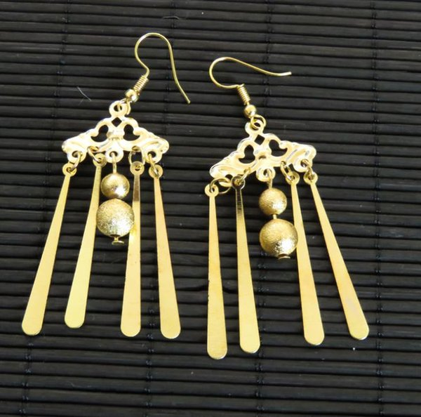 Bridal jewelry, wedding earrings, earrings, hooks, wedding gowns, accessories, Chinese ancient costume accessories, ear accessories.