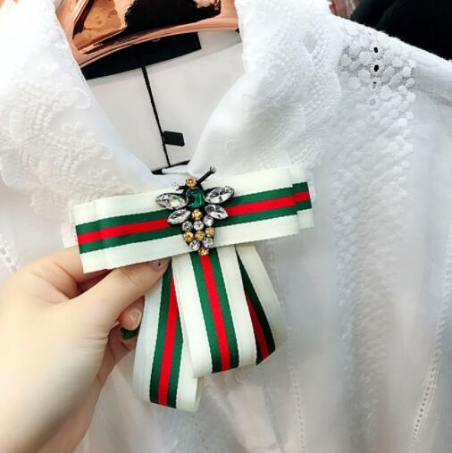 New designer collar flower striped diamond bee bow brooch ladies suit gift fashion accessories