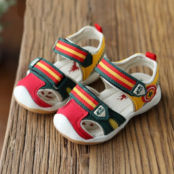 Hot SALE Baby LED Light Sandals 2016 Summer Brand Captain Soft Leather Boys Girls Shoes Kids Fashion Beach Sandals Size21-26