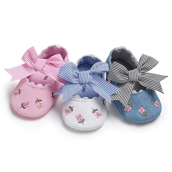Baby Girl Shoes Spring Toddler Embroidered Princess Shoes Bow Soft Sole Newborn Baby Moccasins First Walkers 2018 New