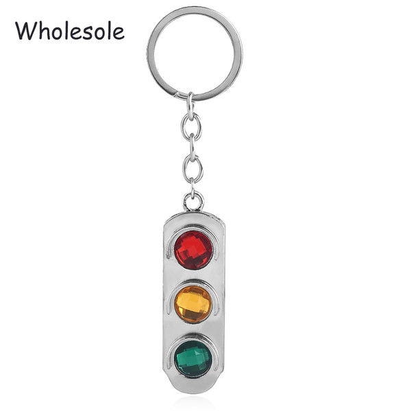10Pcs Traffic light Logo Red And Green Yellow Lights keychain Pendant High quality metal car keychain For Man Women Jewelry Gift