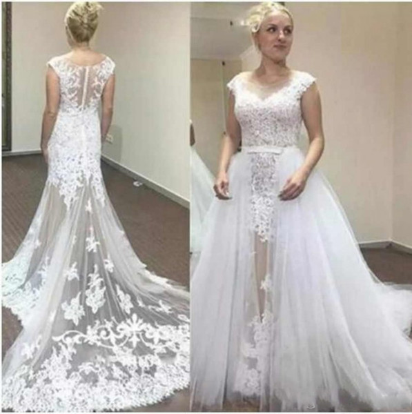 Sexy White Wedding Dresses with Detachable Train Scoop Neck Sleeveless Lace Appliques Long Tail Charming Wedding Bridal Gowns