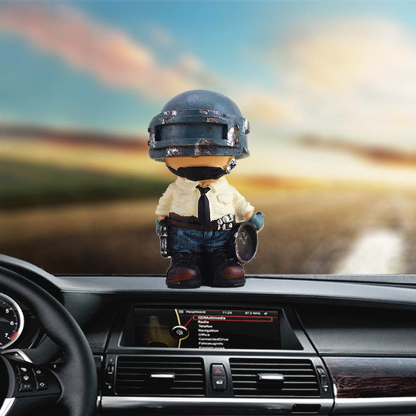 Car dashboard toy resin material creative cartoon surrounding games big escape auto gifts decorative accessories car ornaments