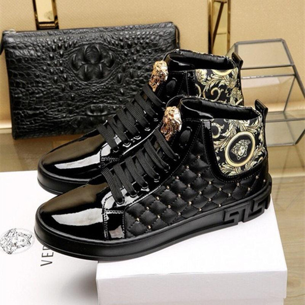 Zapatos de haba de moda, bordado de hilo de oro, zapatos casuales de los hombres de moda, zapatos cómodos, perezosos, cuero de pintura fina, zapatos de conducción
