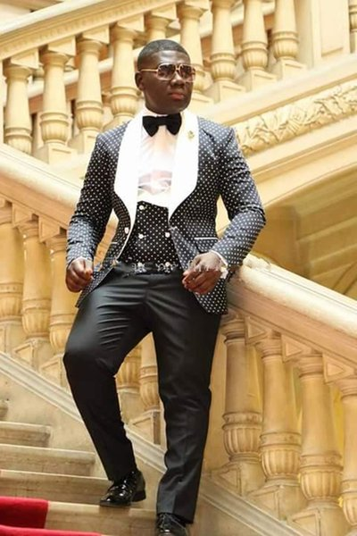 Ultimo Smoking dello sposo Groomsmen One Button Scial risvolto Best Man Suit Wedding Blazer da uomo Abiti su misura (Jacket + Pants + Vest + Tie)
