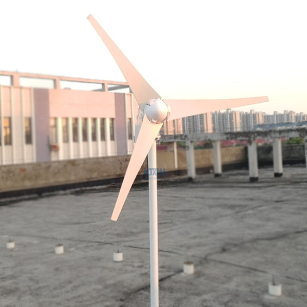 New 3 phase AC 12v 24v 800w Horizontal wind turbine generator with 12V 24V Auto wind controller for home use or streetlight