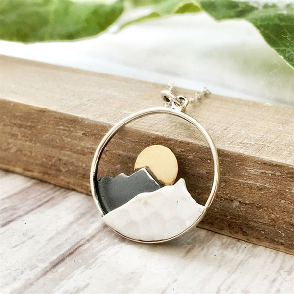 whole saleJEPHNE Mountain Necklace Sunrise Moutain Circle Charm Pendant Necklaces Hiker Nature Ski Gifts The Mountains are Calling Jewelry