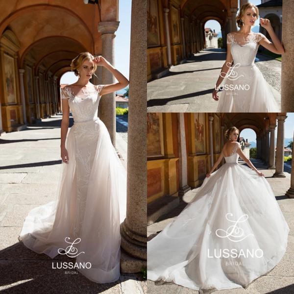 Simples Elegante Tulle Praia Vestidos de Noiva 2018 Sheer Cap Mangas Rendas Apliques de Espartilho Voltar Vestidos de Noiva Custom Made Trem Destacável