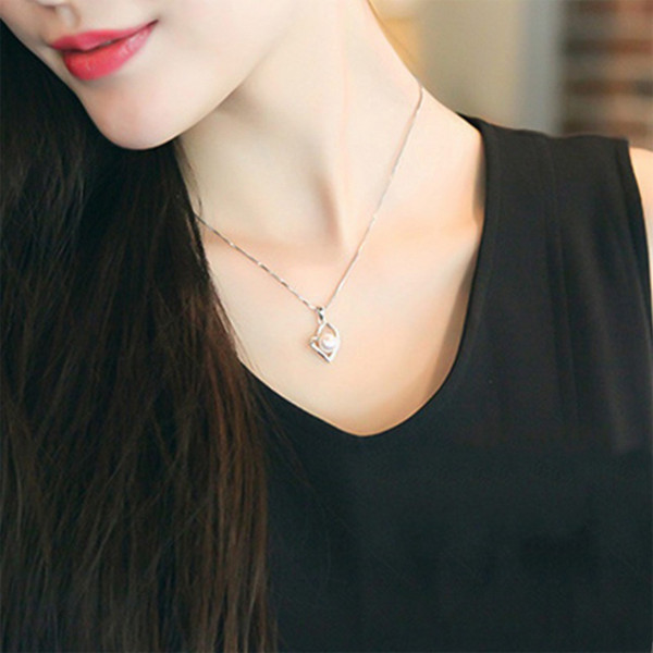 New Fashion Simulated White Pearl Love Shape Pendant Necklaces For Women Lovely Necklaces For Girls Cute Jewelry