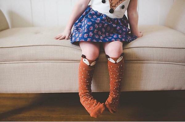 Unisexkarikatur Tierbeinlinge 2018 Heißer Verkauf Mode Baby Mädchen Jungen kniehohe Totoro Panda Fox Socken Kinder Striped Knieschoner Socke