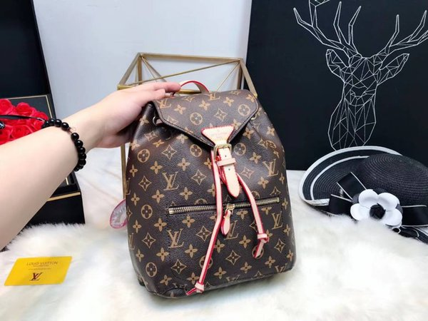 Free Shipping 2018 hot New Arrival Fashion Women School Bags Hot Punk style Men Backpack designer Backpack PU Leather Lady Bags