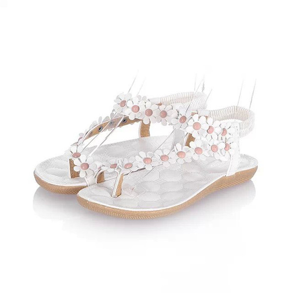 2018 summer new flat with female sandals clip feet toe broken flowers flat shoes Korean foreign trade women sandals