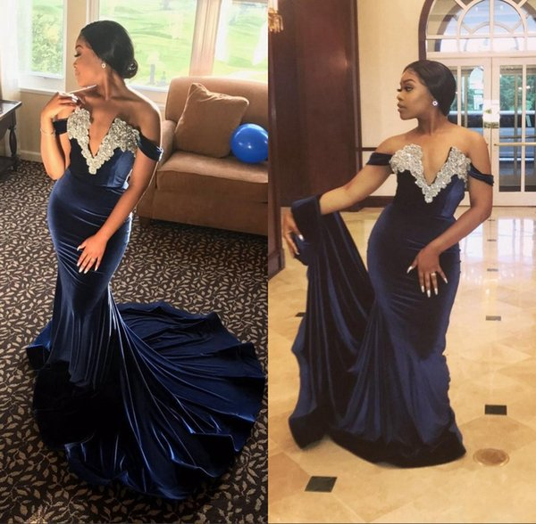 Темно-синие бархатные платья русалки из бисера Пром платья 2018 Sexy V шеи с плеча хрустальные вечерние платья