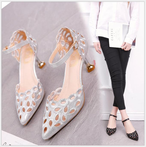 Europa e Stati Uniti eleganti tacchi argento 2018 primavera e estate nuova parola con un sandalo cava multa con le donne scarpe vuote