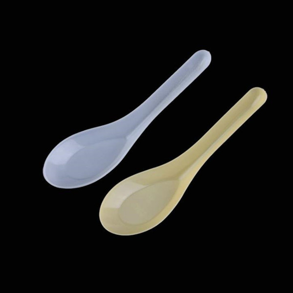 top popular 3600pcs food Soup Spoons Saimin Ramen White Plastic Spoon Outdoor Disposable Dining Food Sale Fast Water-ice cake 2021
