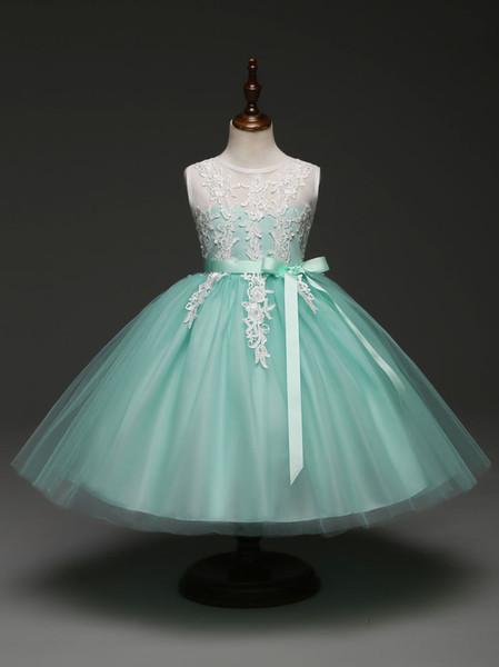 Robe de demoiselle d'honneur verte à la menthe verte et aux robes de demoiselle d'honneur avec ruban et dentelle