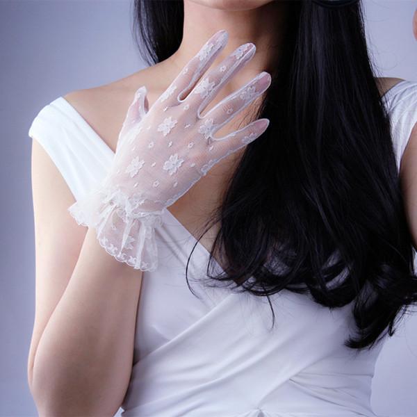 Women Gloves Lace Mesh Short Style Black Color White Color Evening Vestido Loli Retro Woman's Summer Mittens TB65-1