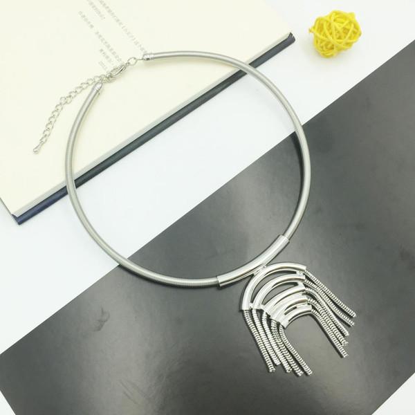 Diseño único Collar Collar Colgantes Aleación Borla Gargantillas Vintage Collar Para Las Mujeres Joyería Regalo de dama de honor Señora ganar