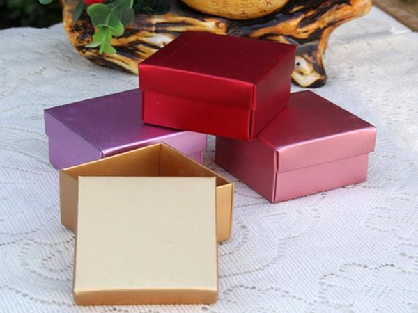 500 PCS nuovo colore computer metallico lustro regalo di compleanno scatola di caramelle di carta, confezione regalo di nozze di altri regalo