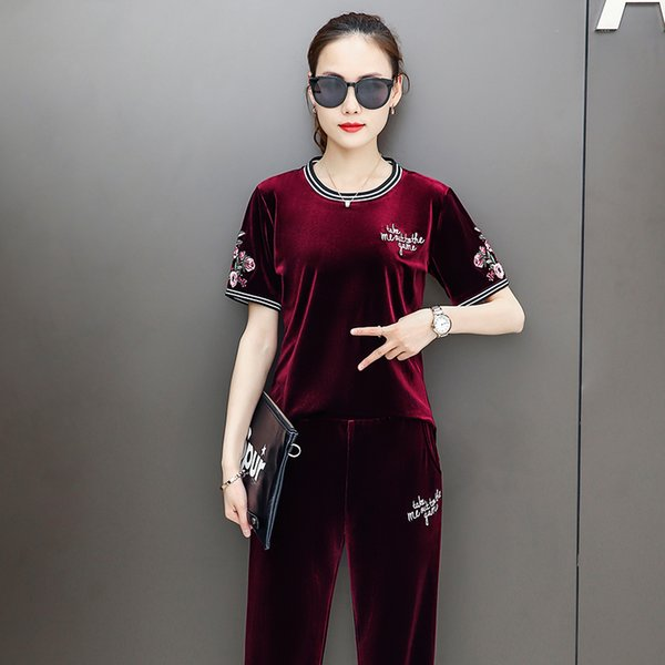 Chinese Style Women Suits Good Quality Velvet Short Sleeve Top Long Pants Two Piece Sets Ladies Pullover Velvet Flower Embroidery T Shirt