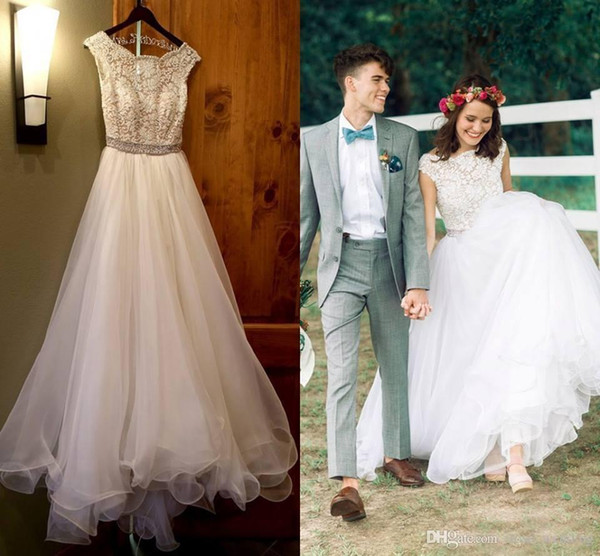 Country Beach Wedding Dresses Lace Top Tulle Sleeveless A-Line Beaded Sash Vintage Backless Bridal Gown Robe de Mariage