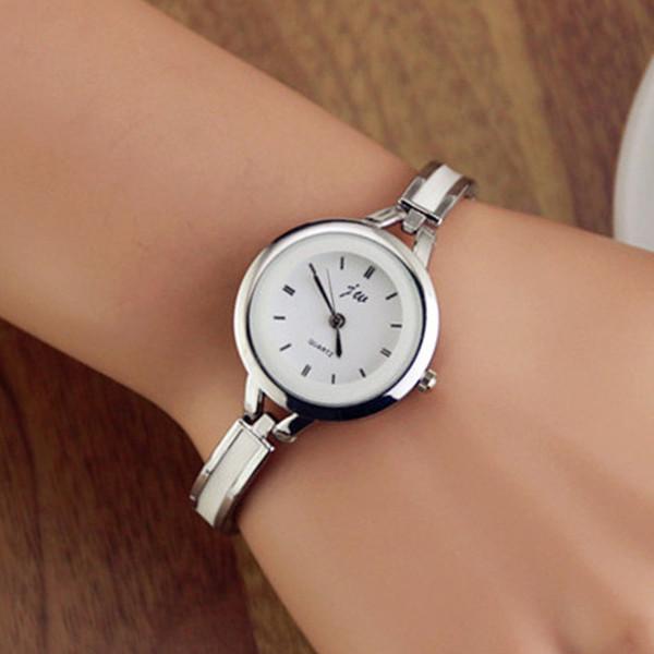 2018 Brand Luxury Women Bracelet Watch China Alloy Quartz WristWatches Ladies Dress Watch Fashion Casual Gift Clock