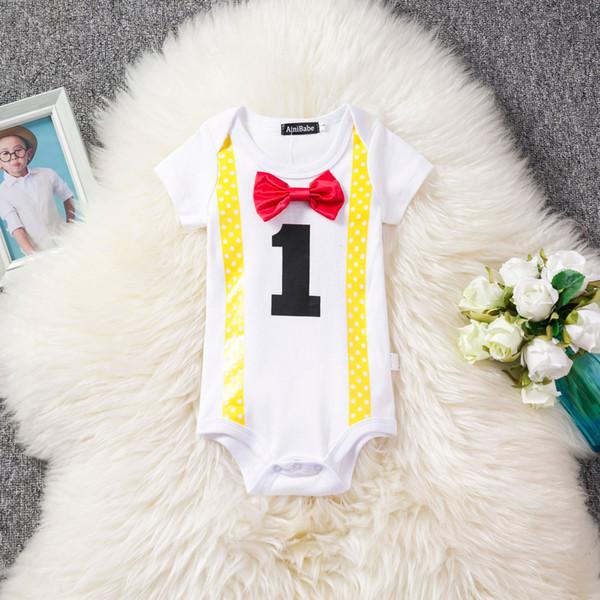 Yenidoğan Erkek Bebek Giysileri Beyaz Bebek Tulum Tulum Jartiyer Papyon Küçük Beyefendi Parti Ilk Doğum Günü Kıyafet Suits Boy Casual Romper