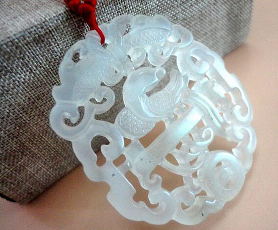 Natural A goods, Liaoning, jade, openwork, eyebrows, jade pendant, fine carved, magpie, plum, jade pendant