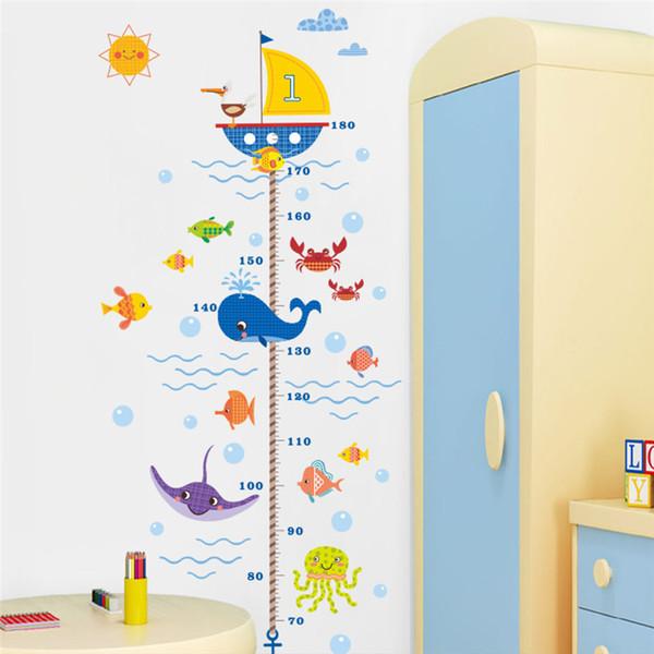 Dos desenhos animados Tubarão Peixe Barco medida de altura adesivo de parede para crianças quarto pvc carta de crescimento decalques de parede cartazes mural Decoração Do Banheiro