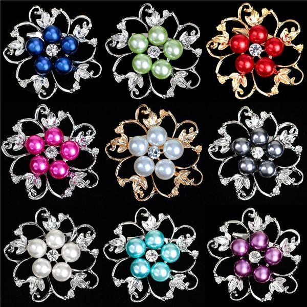 Hot Metal Brooches Gold Plated and Silver Plated Pearl Crystal Rhinestone Flower Brooch Pins Scarves Buckle Wedding Bridal Suit Accessories