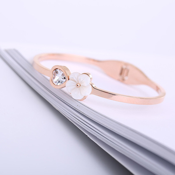 2018 Fashion Jewelry Female Stainless Steel Cuff Bracelet for Women Rose Gold Love Bangle with Shell and Crystal
