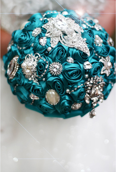 High-end custom European-style bridal jewelry holding flowers Wedding DIY holding flowers Peacock blue-green rose Bridesmaid bouquet