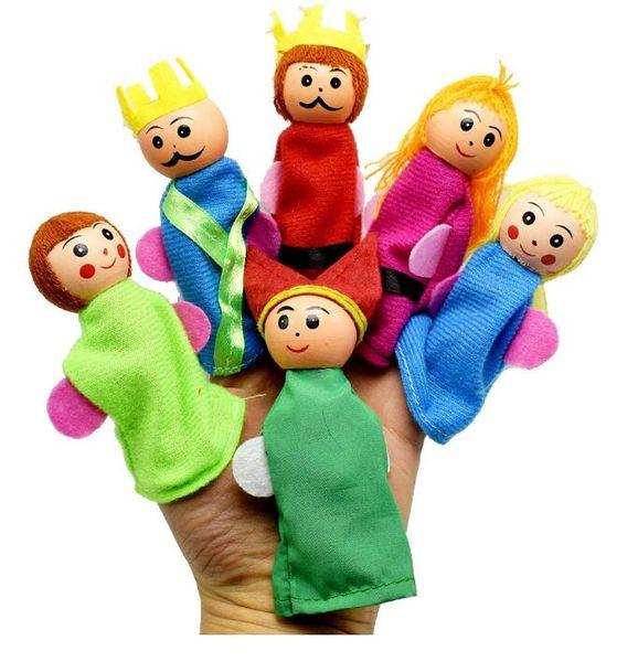 6 Pçs / set Dos Desenhos Animados De Madeira Dedo Fantoches Bonecos De Pelúcia Da Família Real Adereços Brinquedos Educação Infantil Brinquedos Presente de Natal