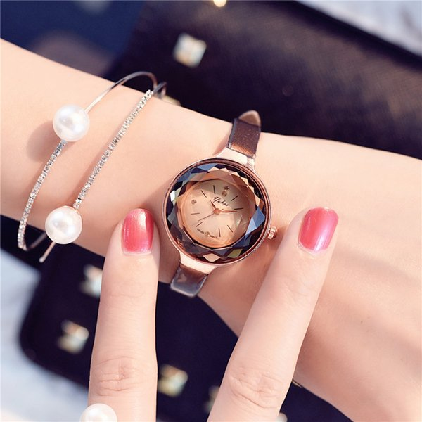 Korea Restore Ancient Ways Fashion Trend Small Clock Dial Wrist Watch Schoolgirl Korean Fasciola Soft Sister Belt Concise Small And Exquisit
