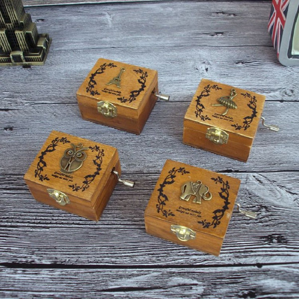 Music Box de madeira manivela gravado mão do vintage para Party Favor Chirstmas feliz aniversário presente de Ano Novo presente das crianças