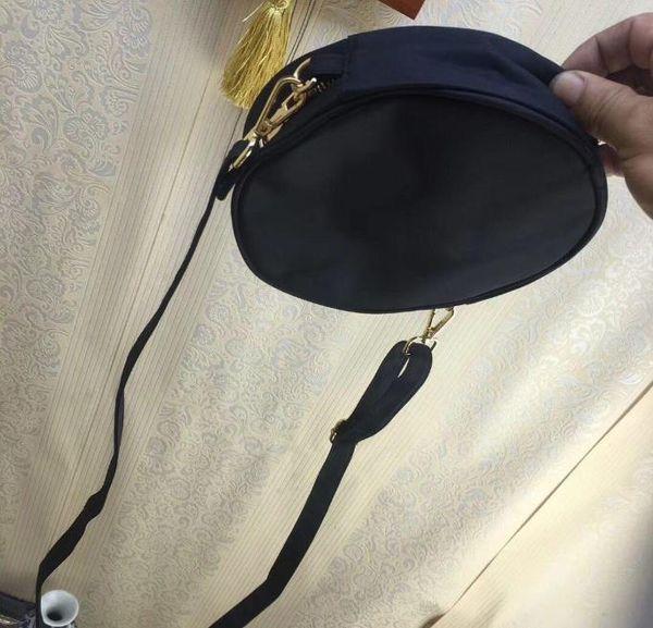 2018 new sequins shoulder bag round bag fashion case 2 color logo pattern shopping case