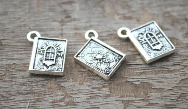 10pcs / lot - Heilige Bibel Charms, antike tibetische Silber Heilige Bibel Charms Anhänger 13x15mm