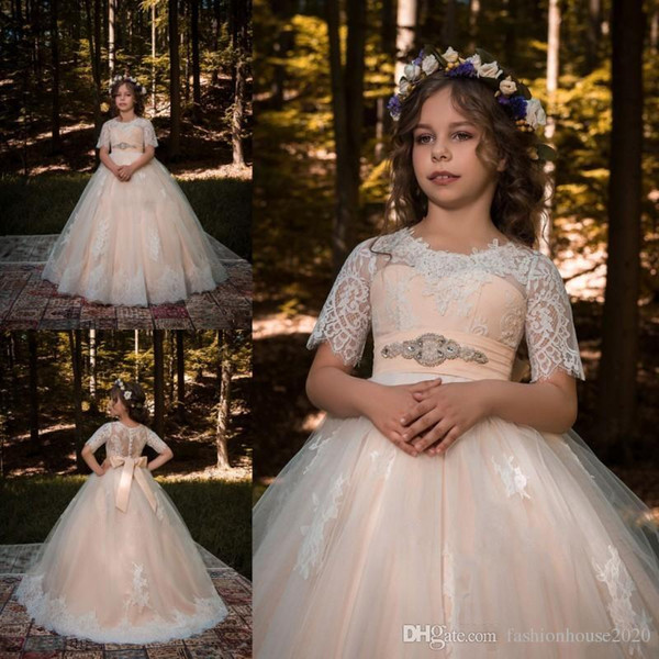 HOT NEW Flower Girls Dresses Jewel Neck Short Sleeves Lace Appliques Button Back Sash Beaded Long Ball Gown Pageant Kids Prom Gowns