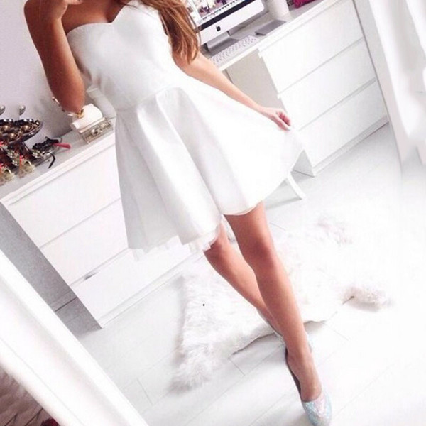 top popular Simple Sweetheart Mini Party Dresses Sexy Short Homecoming Dresses 2018 Short Grade Prom Dress Vestido de Festa Curto Cocktail Party Gowns 2019