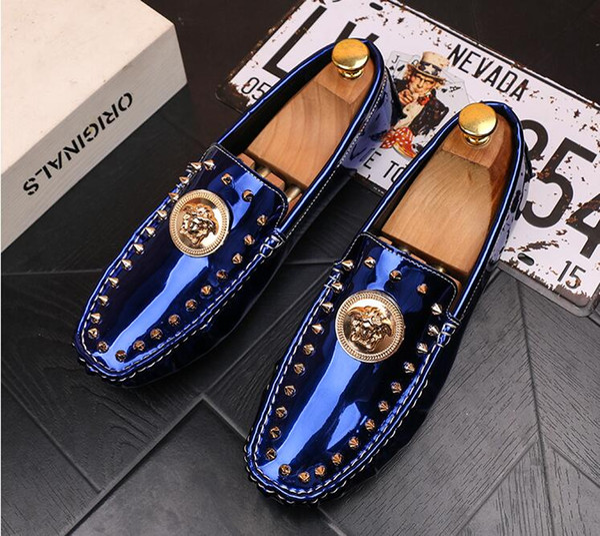 Designer Men Glitter Rivets Comfortable Shoes Man's Formal Dress Shoes For Groom Homecoming Wedding Christmas Gift dha49