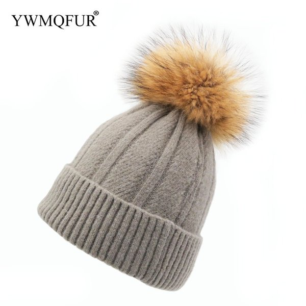Winter Knitted Hat For Adult Hand Made Wool Women Hats With Raccoon Fur Ball Female Solid Color Beanies Caps 2018 New Arrival