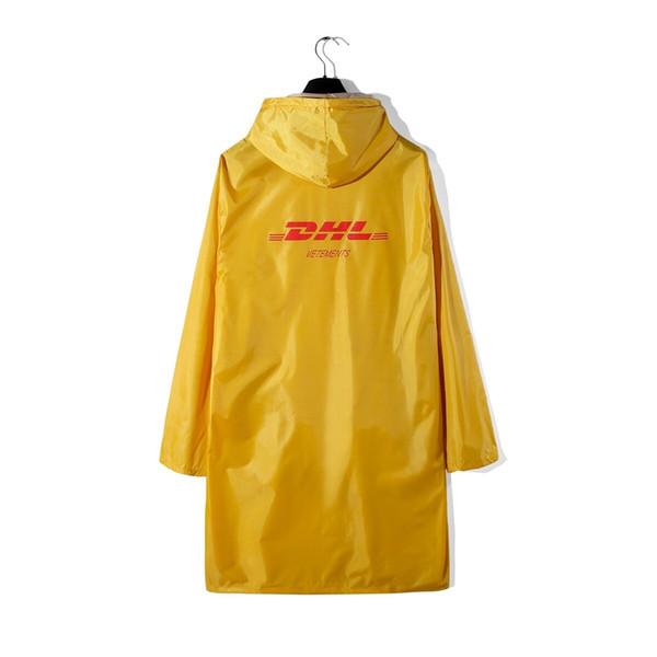 Vetements DHL Print Yellow Raincoat Jacket Coat Hiphop Streetwear VETEMENTS Windbreaker Long Style Hooded Jacket Raincoat HFLSYY002