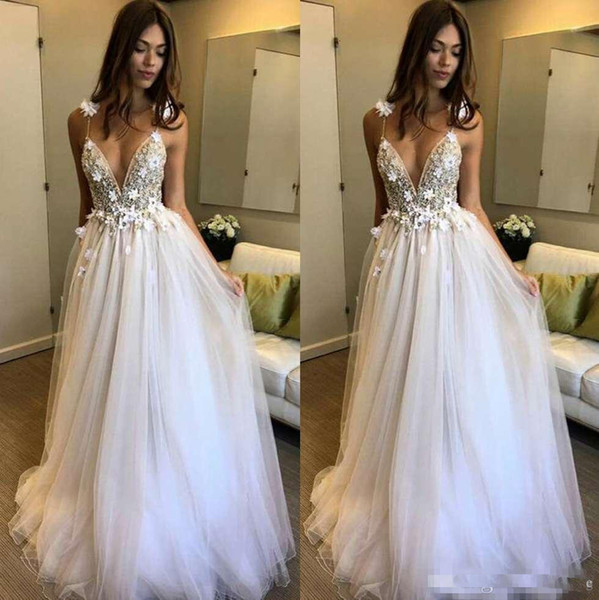 2019 A-Line Deep V-Neck Backless 3D Applique Boho Beach Wedding Dresses Beaded Berta With Flowers Floor Length Tulle Straps Bridal Gowns
