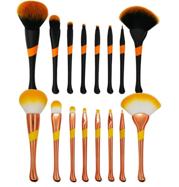 Makeup Brushes Kit For Power Foundation EyeShadow Blush Make Up Beauty Cosmetic Kits Powder brush 8 Pcs Baseball Make Up Tools Scallop
