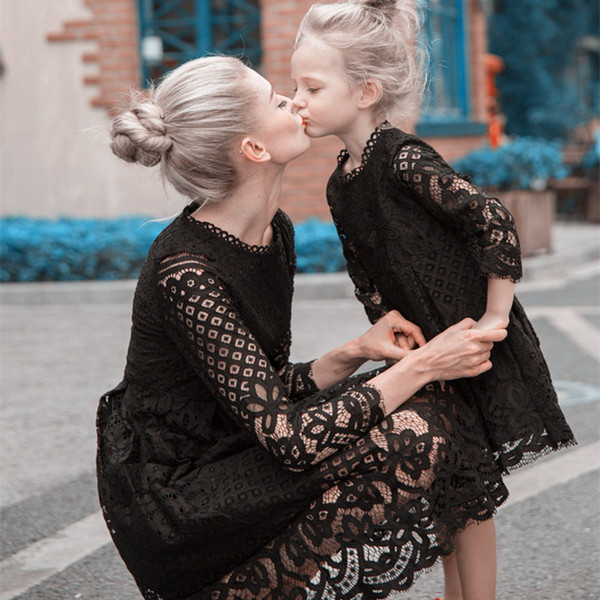 Blanc Noir Dentelle Mère Et Fille Fleur Fille Robes Manches Longues Au Genou Doux Bébé Enfants Robes Quotidien Demoiselle D'honneur Livraison Gratuite