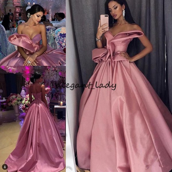 Pretty A-Line Celebrity Prom Dresses Fashion Sweetheart Sleeveless Pleats Ruched Satin Party Dress Glamorous Saudi Arabia Evening Dresses