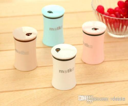 Wholesale- New Plastic Toothpick Holder Salt and Pepper Shaker dispenser Box 1pc