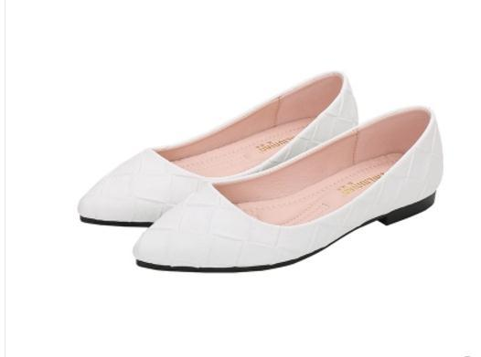 Free send Hot 2018 new style woman spring small size Single shoes 33-34 flat bottom shoes big size 41-43 .