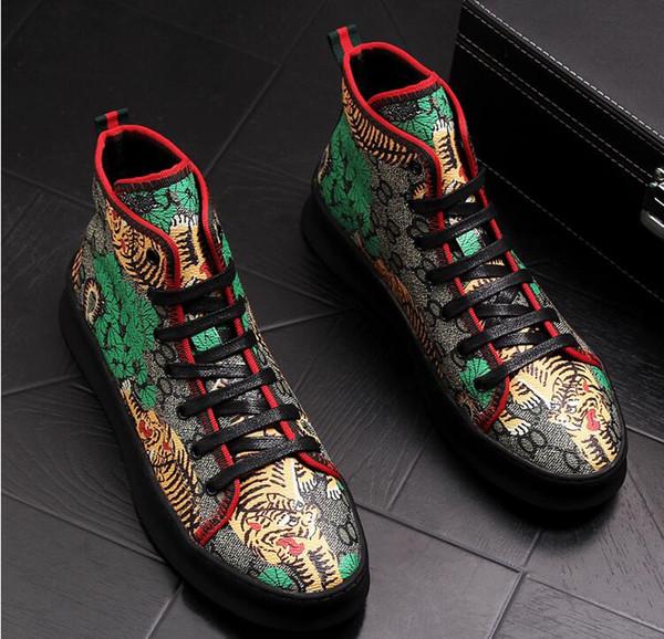 2018 Haute Qualité Mode Hommes Haut Haut Britannique Style Rrivet Chaussures Hommes Causal De Luxe Chaussures Rouge Noir Bottom en caoutchouc Chaussures pour Homme BMM126