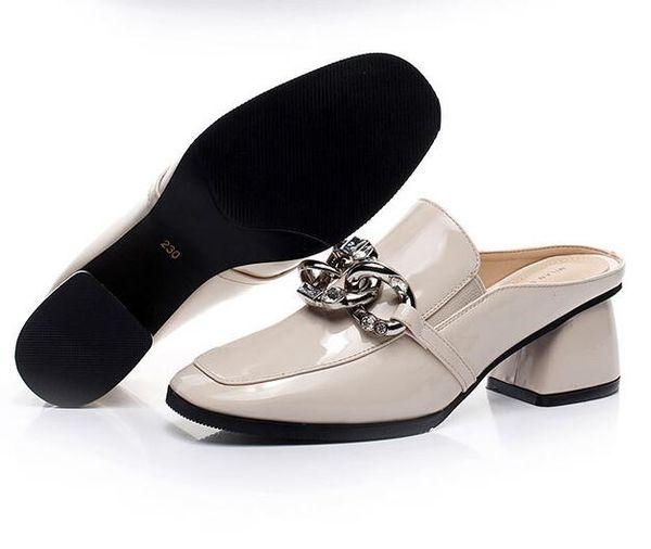 2018 Zapatillas de mujer Rhinestones Crystal Gladiator Fuera de desgaste Square Heels Sandalias cómodas Diseñador de moda Zapato Envío rápido